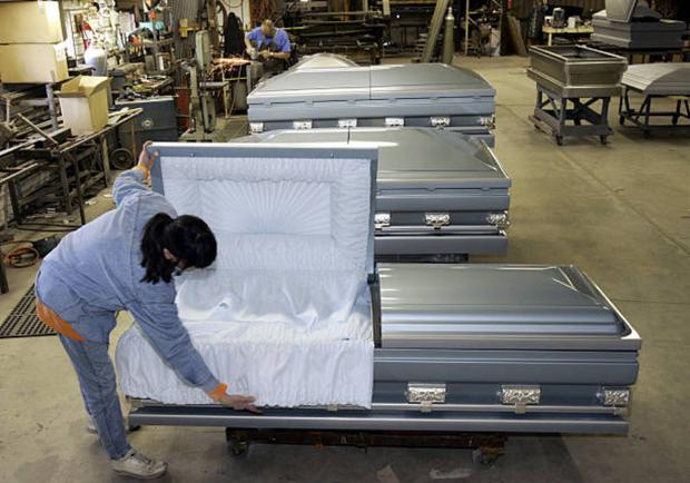 Obesity crisis means cranes used for plus-size coffins in Northern Ireland  cemeteries - BelfastTelegraph.co.uk